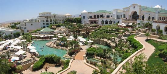 Hyatt Regency Sharm El Sheikh Resort: Pool area, during day