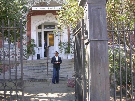 St. Vincent's Guest House: Leaving St. Vincent's
