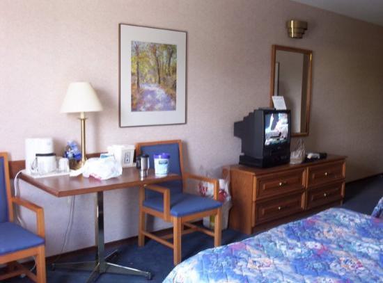 Comfort Inn Cambridge: our room again
