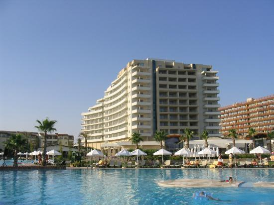 Barut Lara Photo
