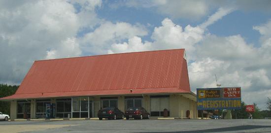 Red Carpet Inn Cartersville: Registration