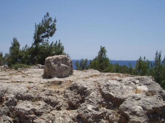 Chios, กรีซ: Homers teaching stone in Vrondados