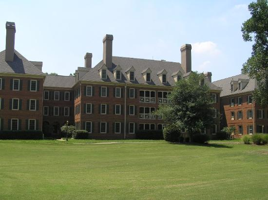 Marriott's Manor Club at Ford's Colony: Rear of Berkley building