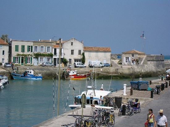 Things To Do in Tout a velo, Restaurants in Tout a velo