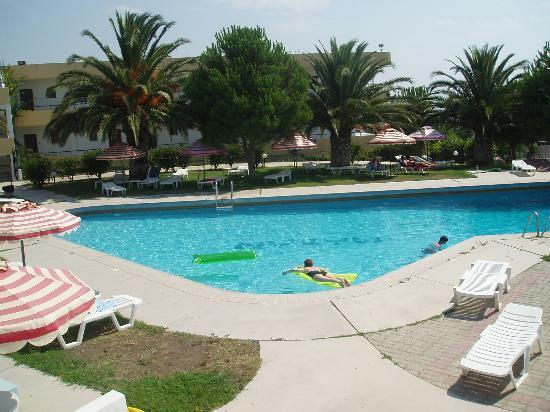 Hotel maran bewertungen fotos preisvergleich faliraki for Swimming pool preisvergleich