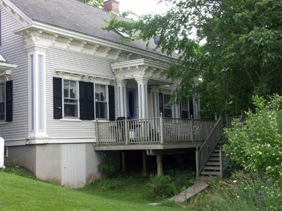 Cresthaven By The Sea , A Waterfront B&B: Captain Macomber's House