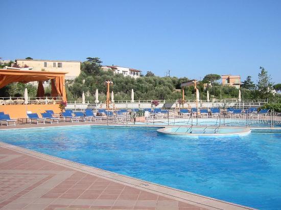 Grand Hotel Vesuvio: The Pool