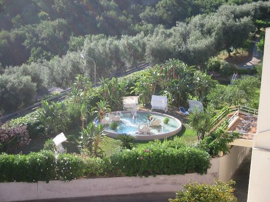 Grand Hotel Vesuvio: One View From Our Balcony