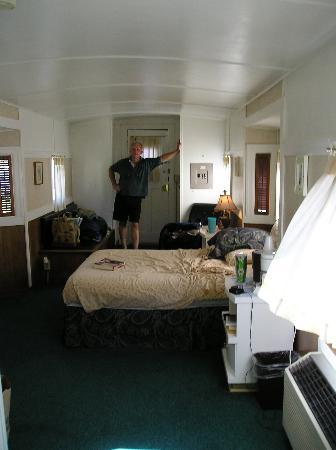 Elbe, WA: Roomy and quite comforatable!