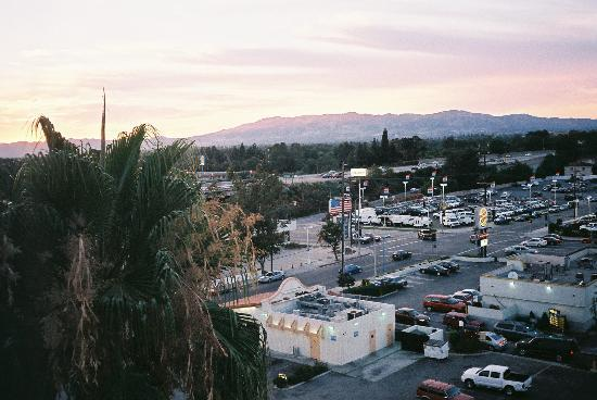 Holiday Inn Express Van Nuys: The view from Room 709
