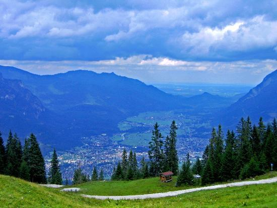 Oberammergau, Tyskland: the mountain view