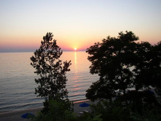 Lake Shore Resort: Sunset on Lake Michigan