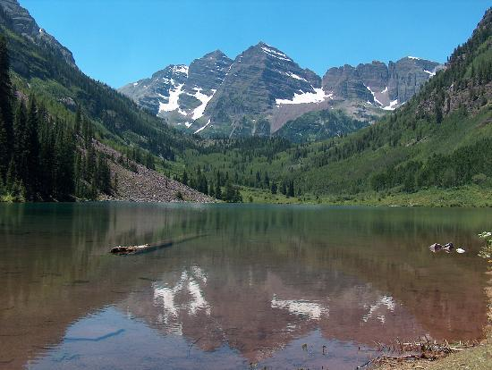 Maroon Bells-Snowmass Wilderness Area : reflection of the Bells on Maroon Lake