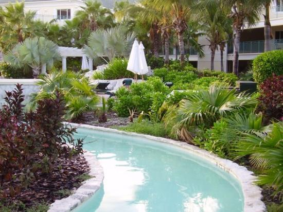 The Sands at Grace Bay: A look at one of the courtyard pools