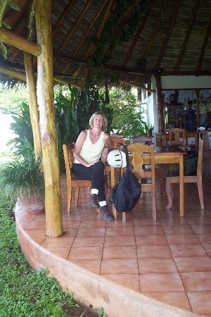 Playa Junquillal, Costa Rica: Open dining area - great for watching wildlife