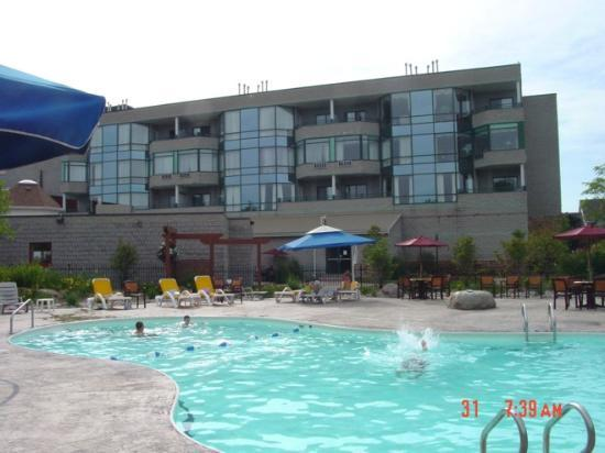 Georgian Bay Hotel & Conference Centre : pool