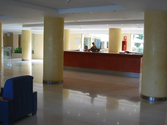 AYA Hotel : A part of the hotel lobby