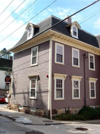 Spring Street Inn: The Inn.