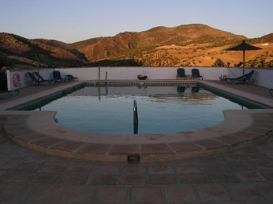 Cortijo Valverde: Swimming pool at sunset