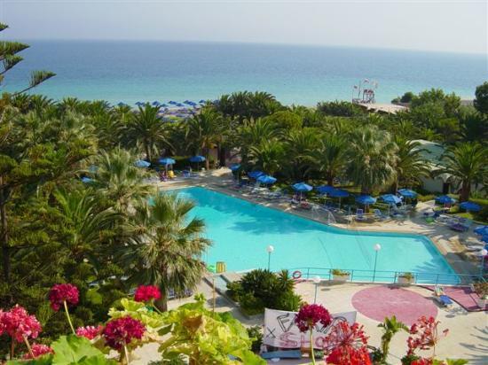 Blue Horizon Hotel: pool area