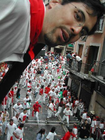 Hotel Tres Reyes: I'm on a balcony above thousands running with the bulls!