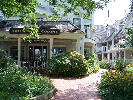 Artists Colony Inn: view from the street