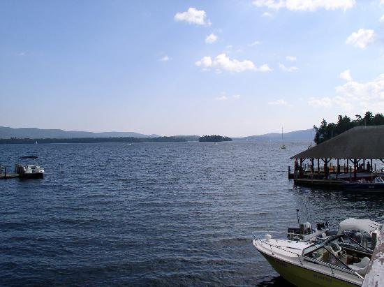 Treasure Cove Resort : View of the lake from sundeck