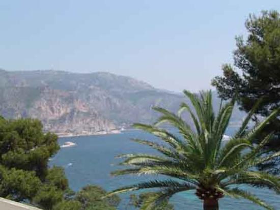 Villa & Jardins Ephrussi de Rothschild : View from the estate!