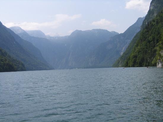 Alm- & Wellnesshotel Alpenhof: Lake Konigsee
