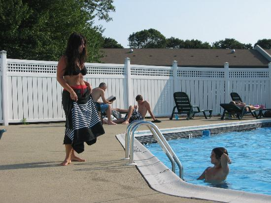 West Yarmouth, MA: Nice outdoor pool. Lots of tanning space.
