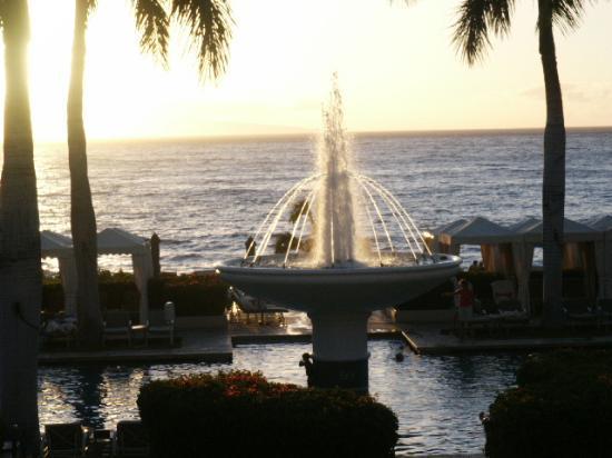 Four Seasons Resort Maui at Wailea: pool fountain