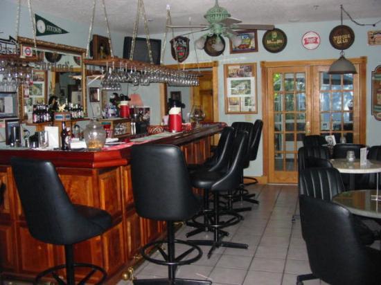 The Ann Stevens House: Sherlock's Pub