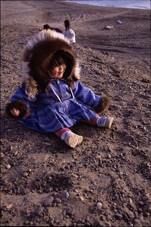 Top of the World Hotel: Inupiat girl on the beach at 10:30pm