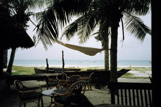 Pinewood Beach Resort & Spa: Another beach bar view