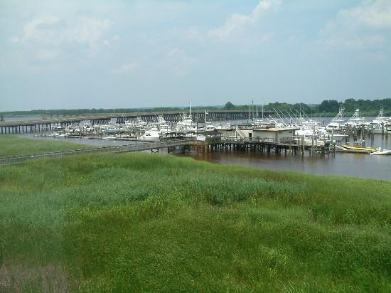 Hampton Inn Georgetown - Marina: view of habour from bedroom