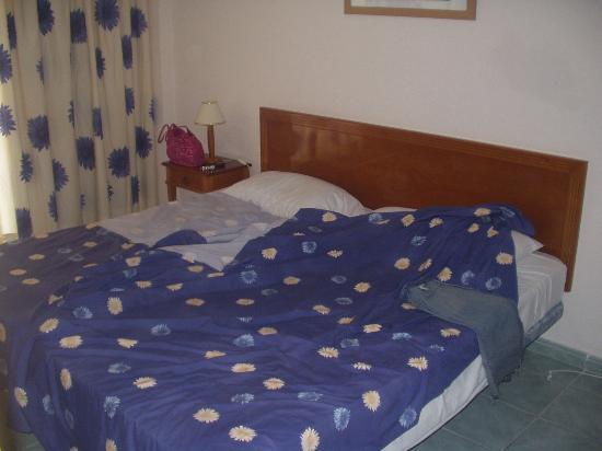 Revoli Aparthotel: and bedroom