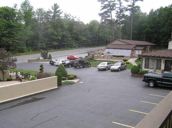 Tall Pines Motel: View from our room