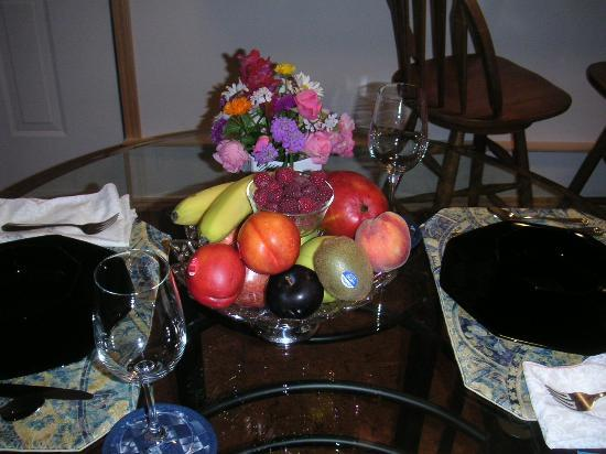 Wellcomeinn Bed and Breakfast: Fruit Bowl