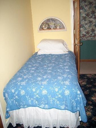 Beary Patch Bed and Breakfast: Bedroom 1