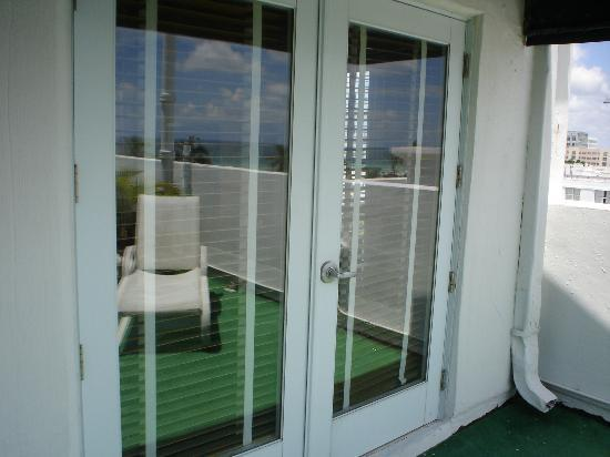 Winter Haven Autograph Collection Glass Doors to Rooftop Rooms (Very Cool) : roof top doors - pezcame.com