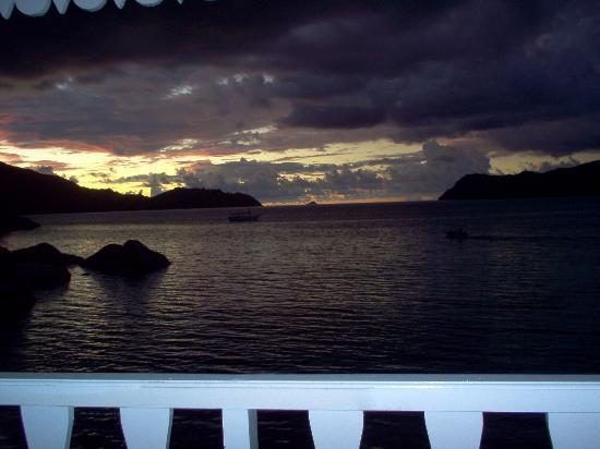Le Domaine de La Reserve: sunset from the room terrace