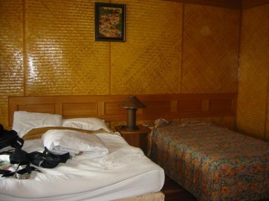 Chaweng Cove Beach Resort: the beachfront bungalow room