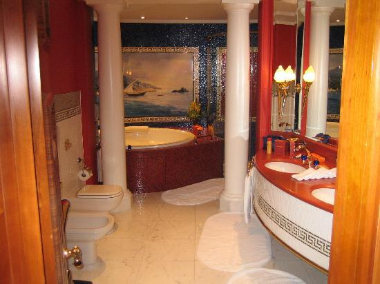 Burj Al Arab Jumeirah: complete bathroom