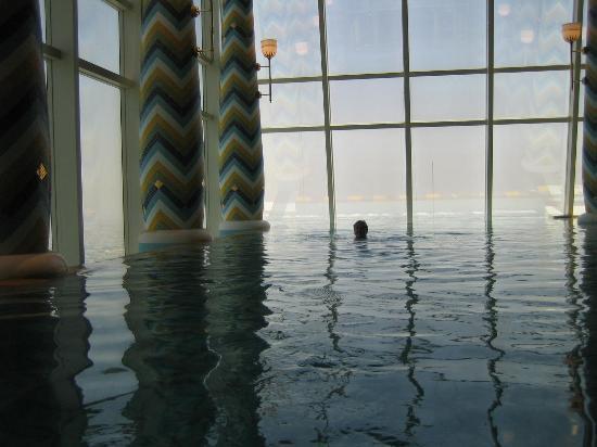 Spa pool picture of burj al arab jumeirah dubai for Pool and spa show dubai
