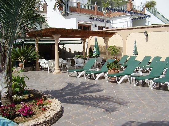 Hotel Nerja Princ: Pool area