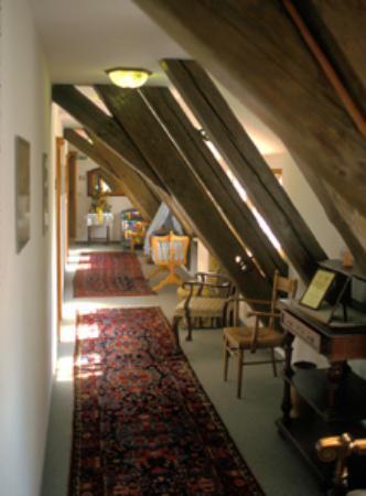 Hotel Burg Colmberg: Top floor hallway
