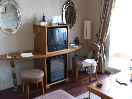 Mamaison Riverside Hotel Prague: Livingroom