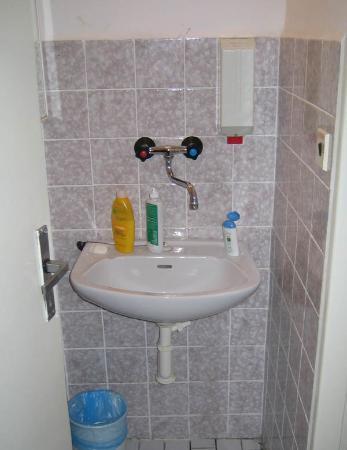Hotel Slavia: nice and modern bathroom
