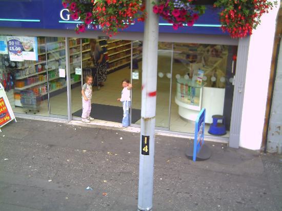 Shankill Road: Happy little children
