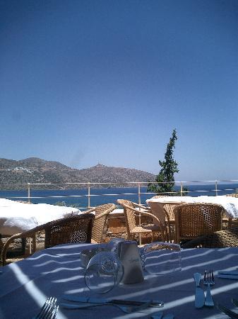 Dessole Mirabello Beach & Village: Lunch on the terrace